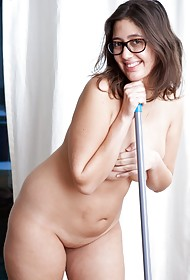 Ariel D - Cleaning Naked